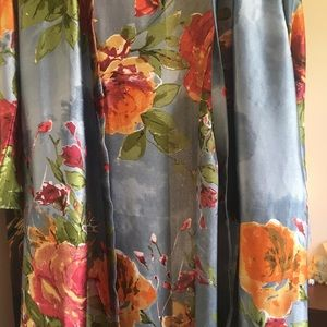 Other - Gorgeous floral bridesmaid/wedding party robe